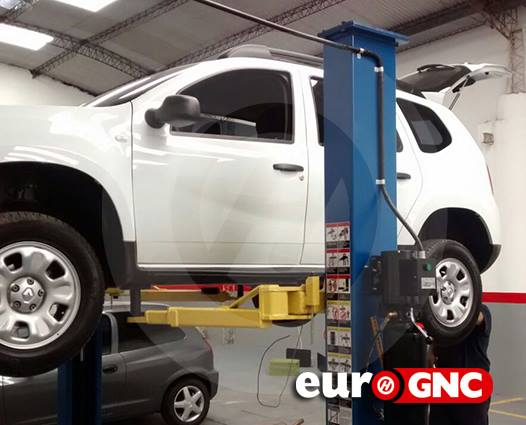 Renault Duster 2 x 30 lts.